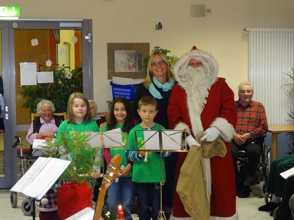 Unsere Blockflötengruppe bekommt Besuch vom Nikolaus